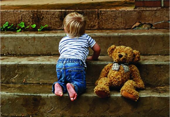 L'espionnage de nounou: protégez vos enfants!